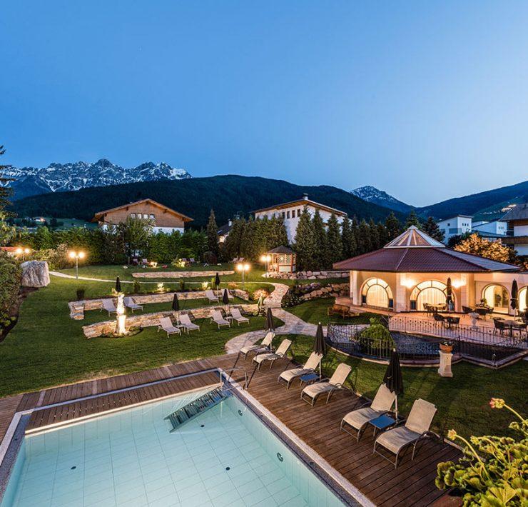 Fünf-Sterne Mirabell Dolomiten Wellness Residenz in Olang/Südtirol