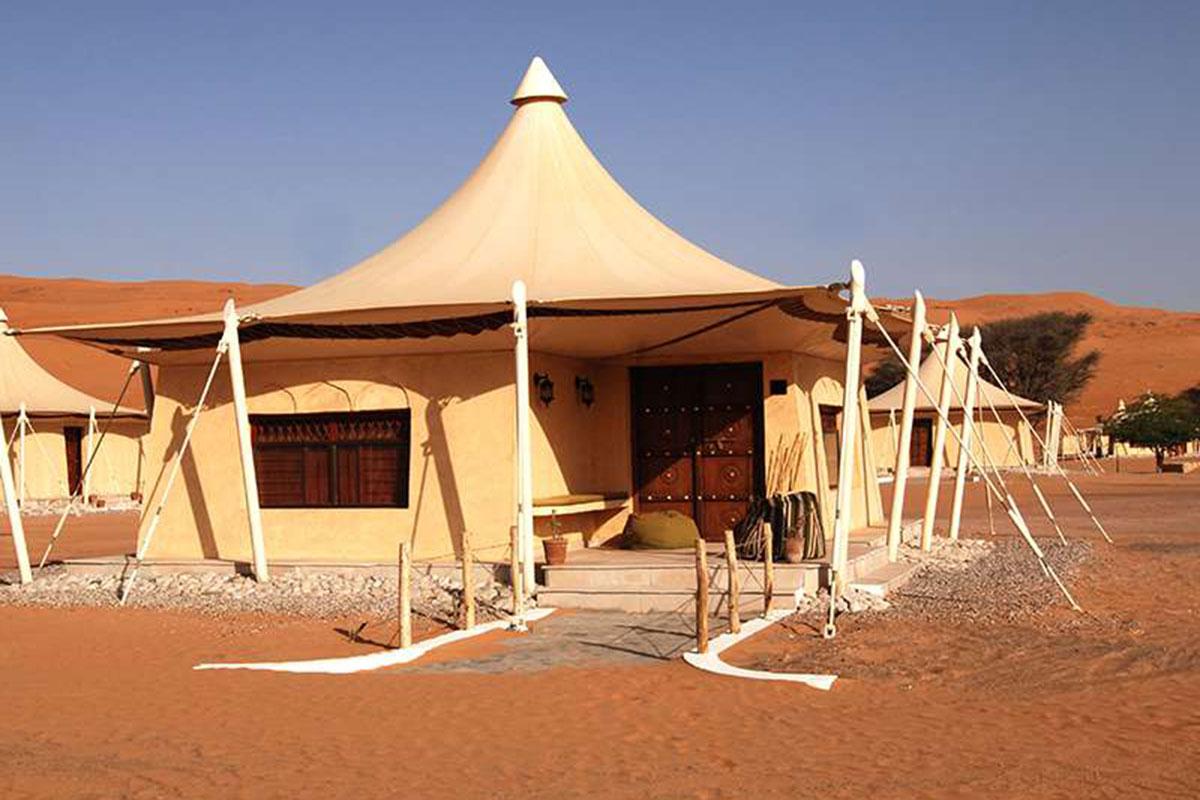 Desert Nights Camp Unterkunft. Luxusreise