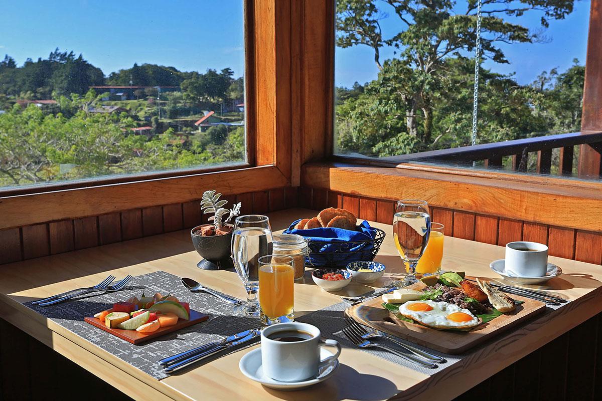 Senda Monte Verde Frühstück. Luxusreisen