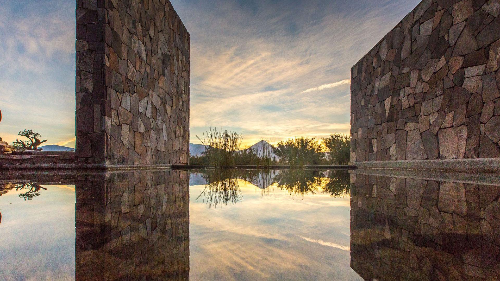 Sonnenuntergang im Hotel Tierra Atacama genießen. Luxusreise