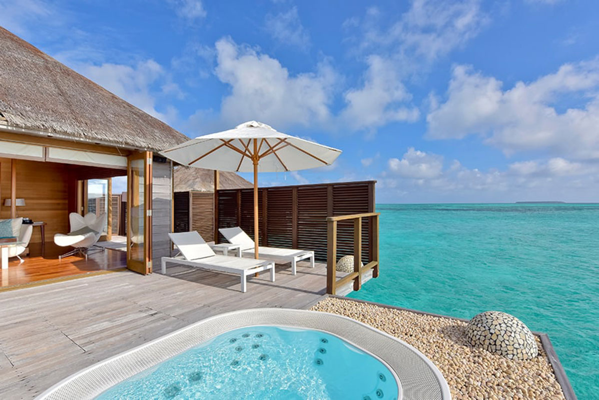 Deluxe-Water-Villa: Privatsphäre mit direktem Zugang zum Meer. Luxusreise