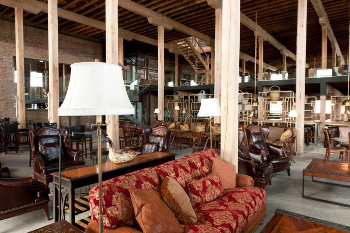 The Singular: Gemütliche Lobby. Luxusreise