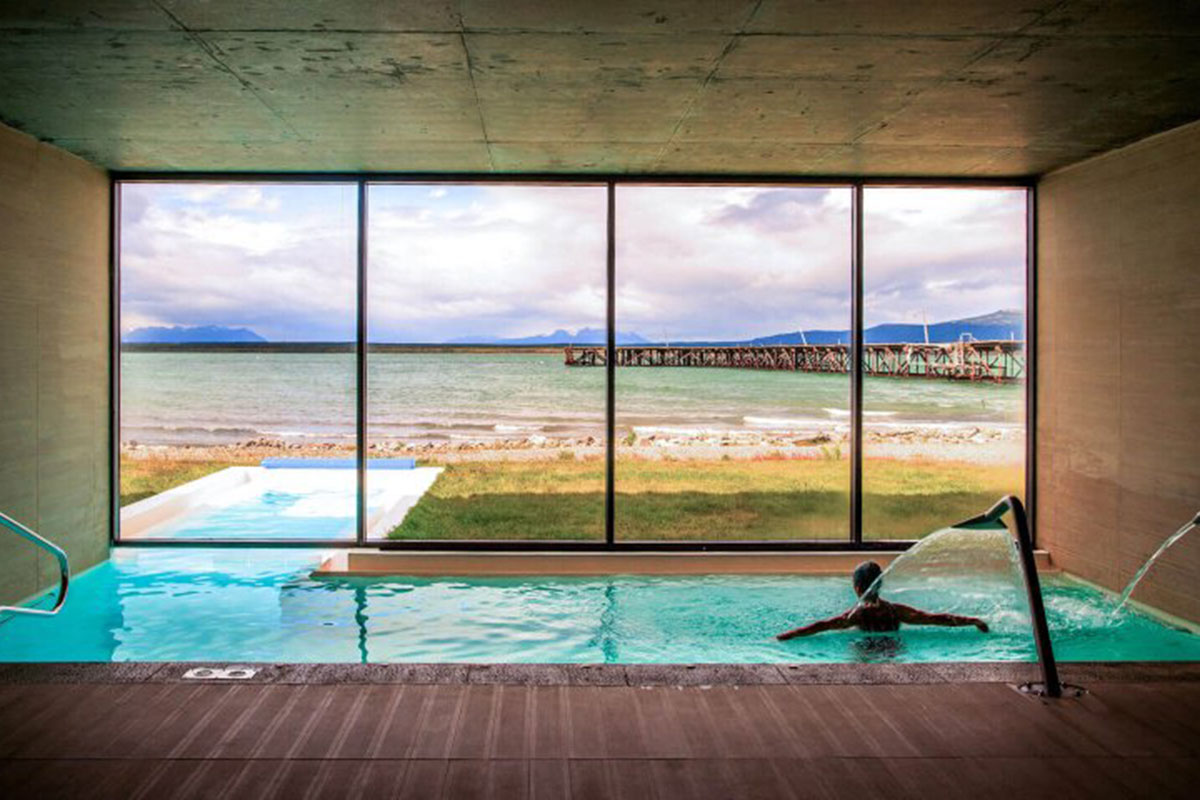 The Singular: Pool. Luxusreise