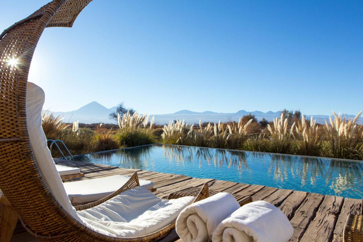 Tierra Atacama: Pool mit faszinierender Aussicht. Luxusreisen