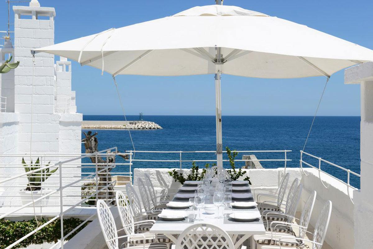Dinner mit Blick aufs Meer im Hotel Don Ferrante. Luxusreisen