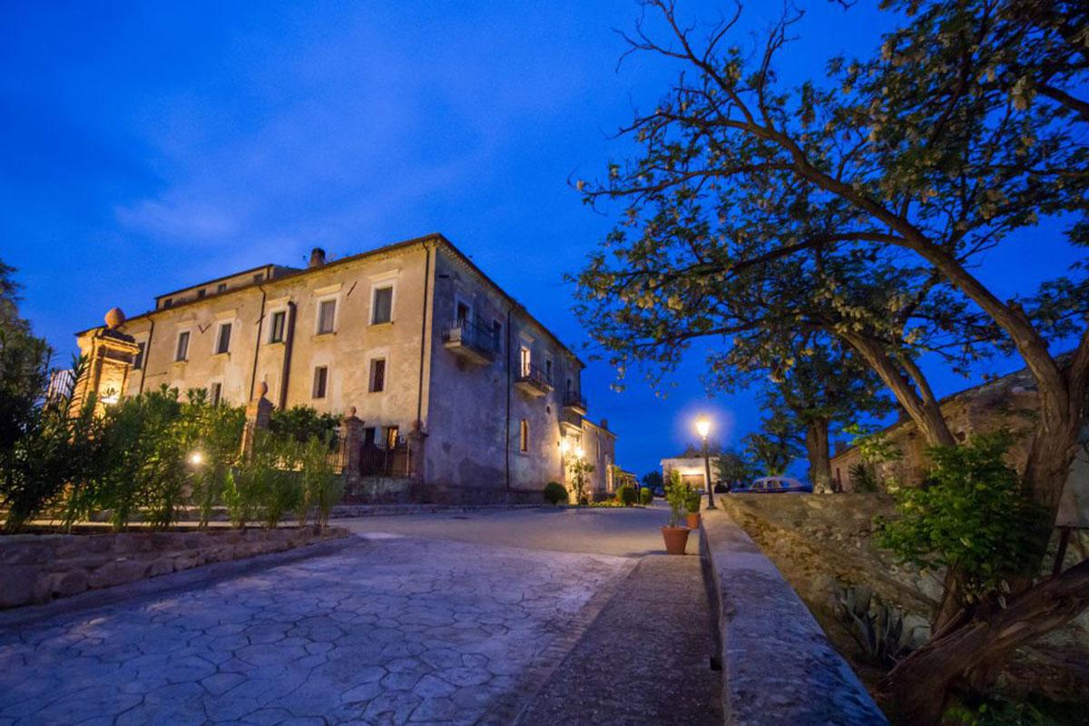 Hotel Tenuta Ciminata Greco: Entspannung zwischen Olivenbäumen. Luxusreisen