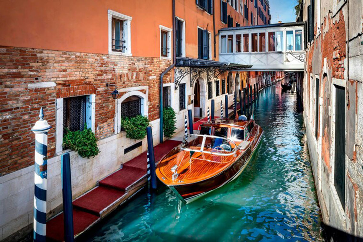 Mit dem Privatboot direkt zum Hotel - ein Traum! Luxusreisen
