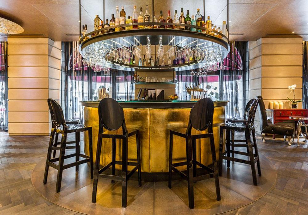 Die Bar im Hotel Banke. Luxusreisen