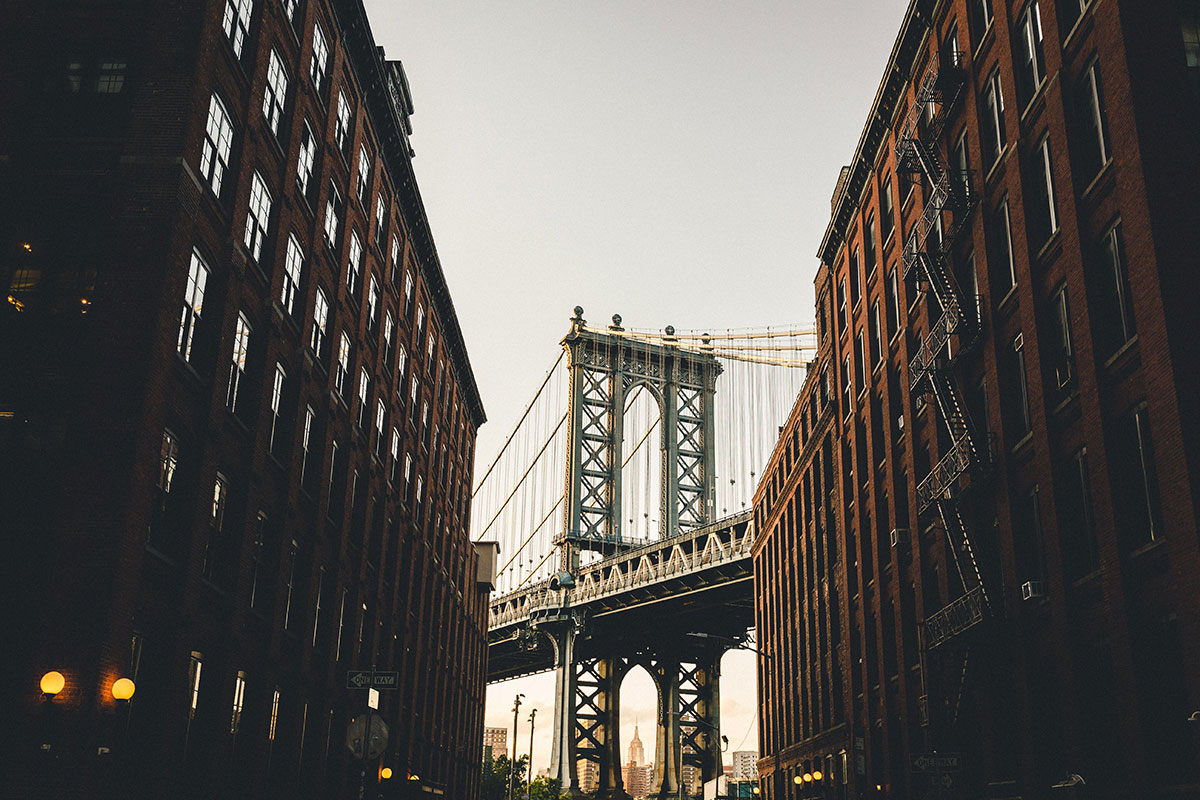 Die Manhattan Bridge in New York. Luxusreisen