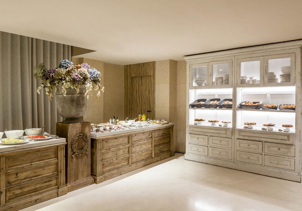 Das Frühstückszimmer im Hotel Banke: eine Hommage an französische Boulangeries. Luxusreisen
