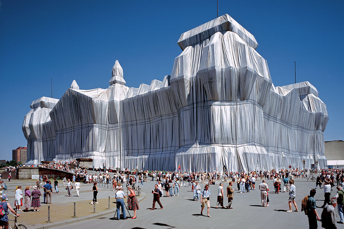 Christo and Jeanne-Claude Wrapped Reichstag, Berlin, 1971-95
