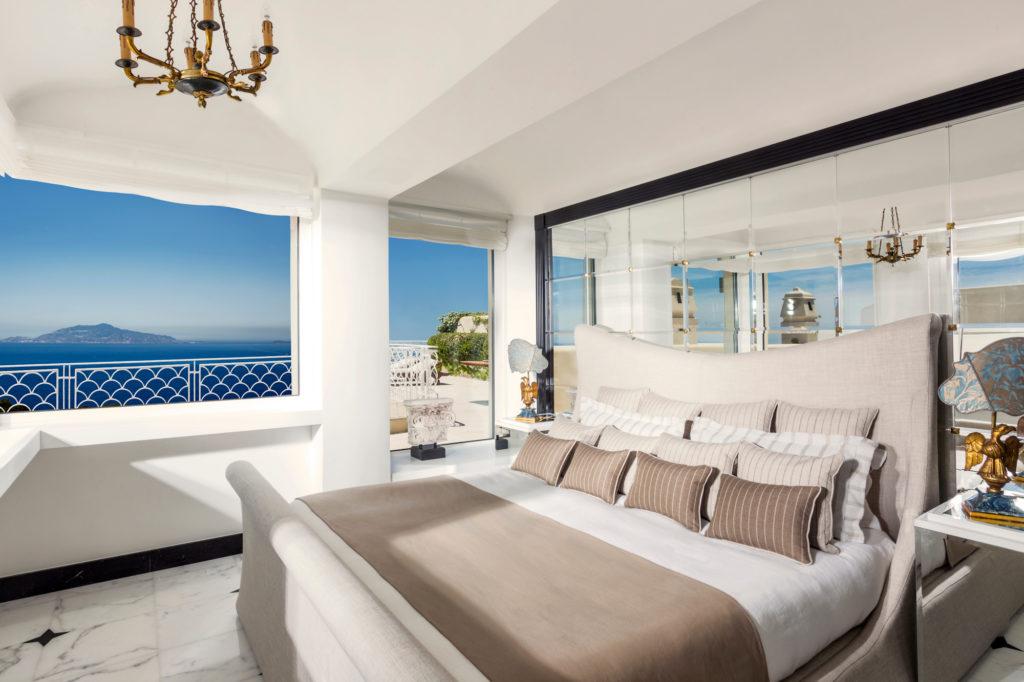 Capri Palace Acropolis Penthouse Suite Bedroom. Luxusreisen