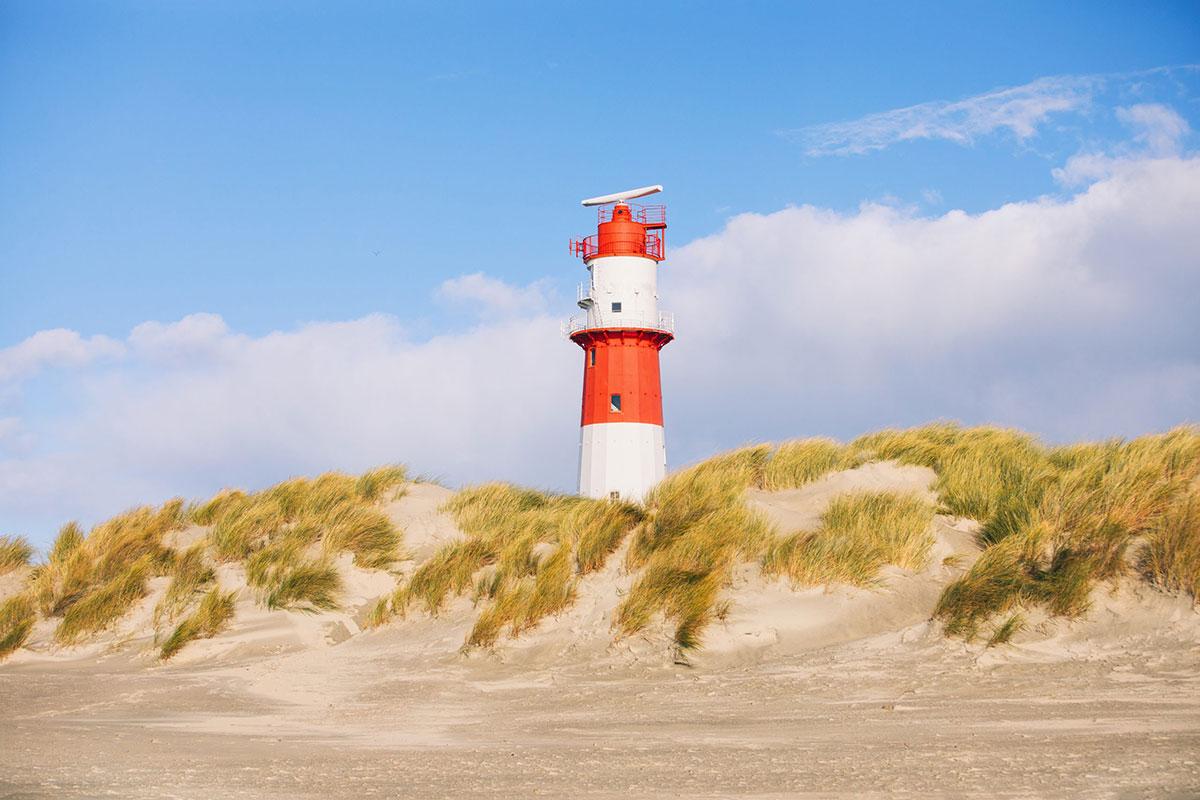 Jede Insel braucht einen Leuchtturm – Borkum hat sogar fünf davon. © Moritz Kaufmann. Luxusreisen