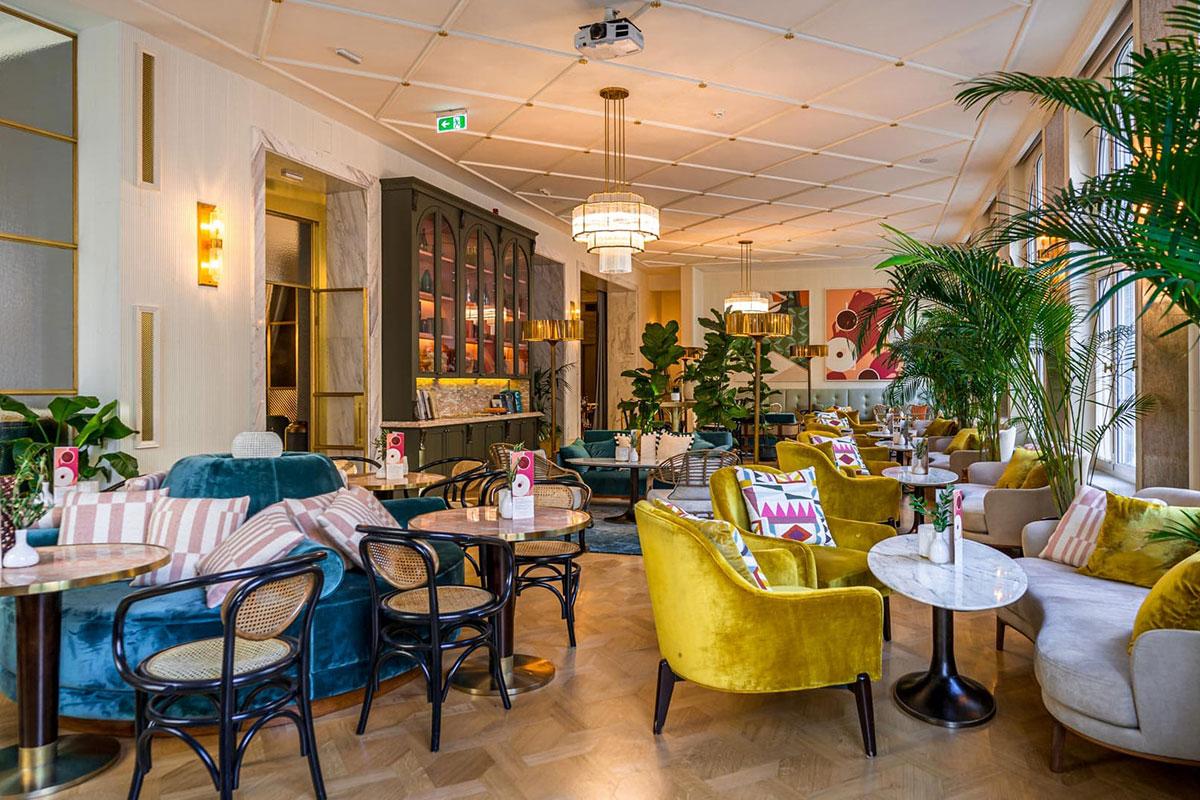 Amadria Park Hotel Capital: Edles Café. Luxusreisen