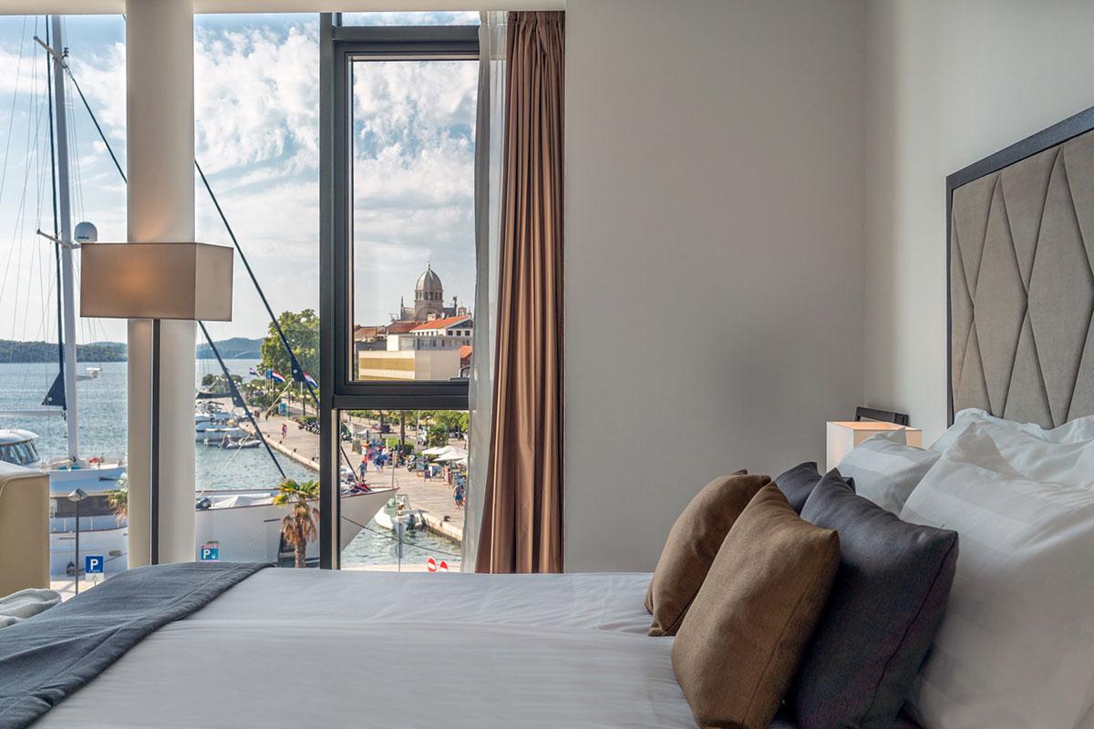 Bellevue Superior City Hotel Sibenik: Zimmer mit Stadtblick. Luxusreisen