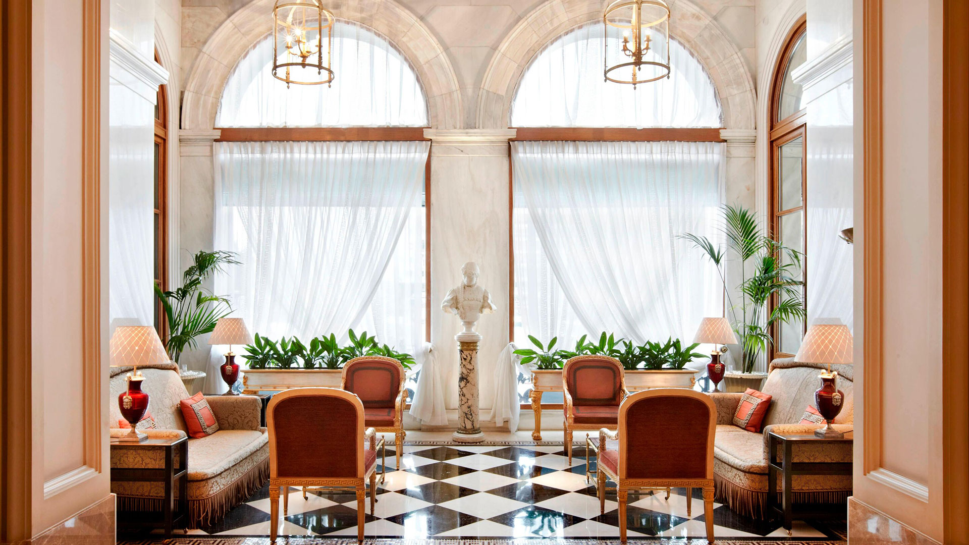 Lobby des Hotels Grand Bretagne in Athen. Luxusreisen