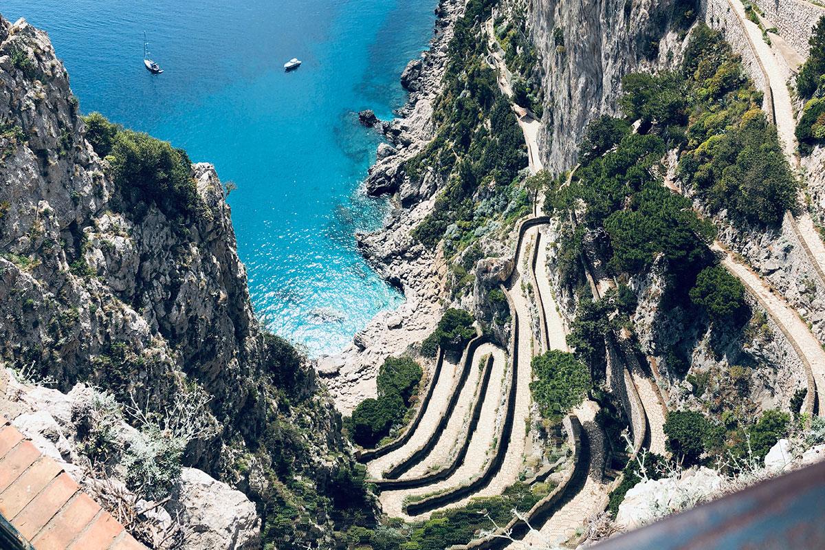 Serpentinen auf Capri. Luxusreise