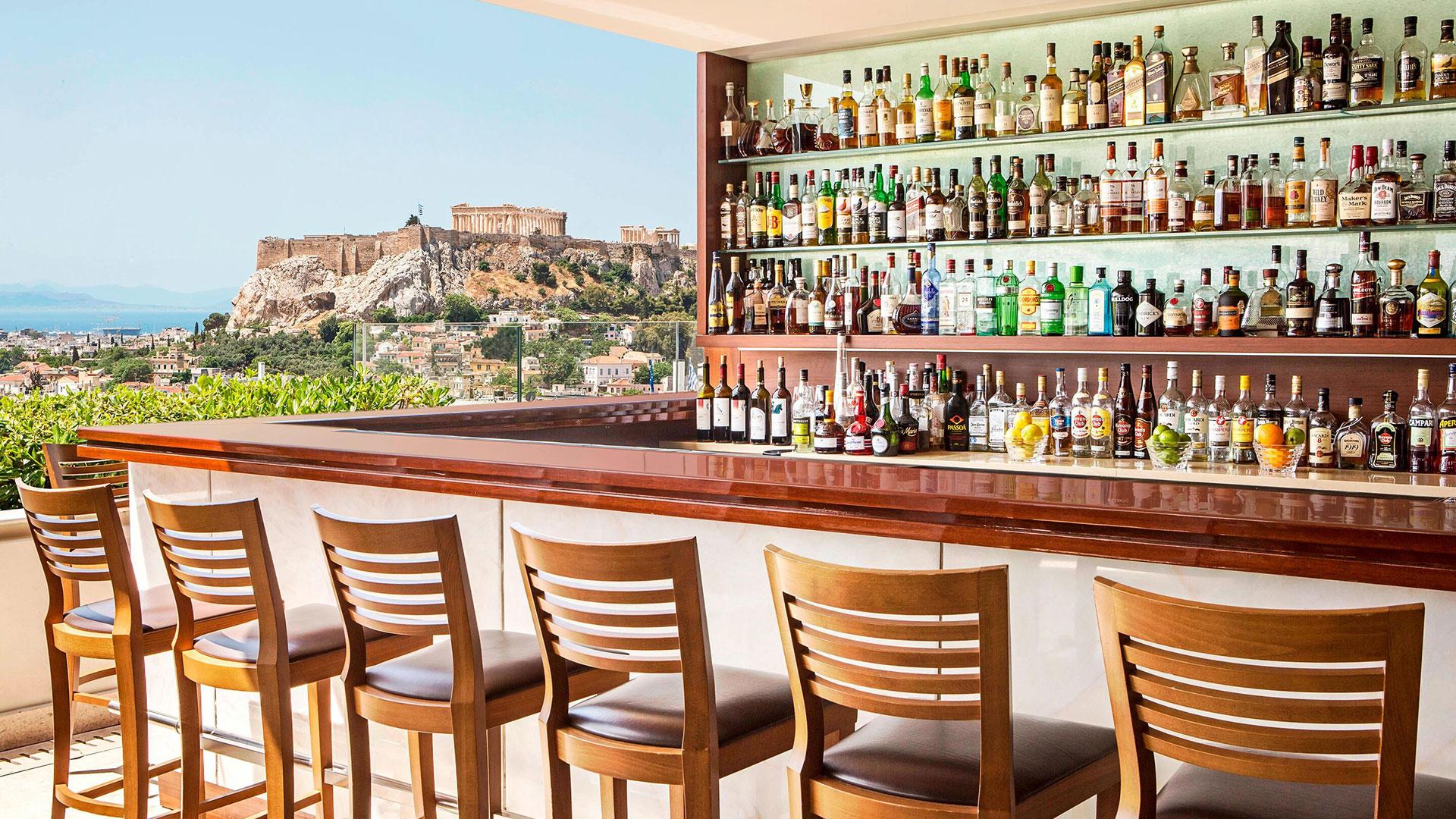 Rooftop Bar Hotel Grande Bretagne. Luxusreisen