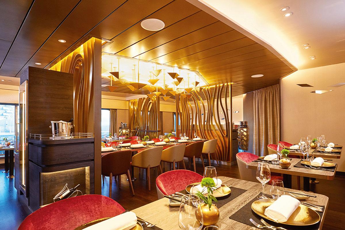 HANSEATIC inspiration: Restaurant. Luxusreisen