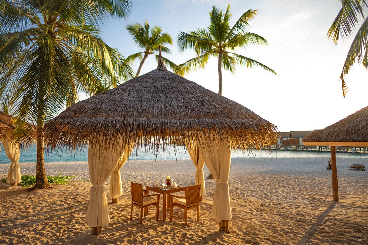 Reethi Faru Resort. Luxusreisen